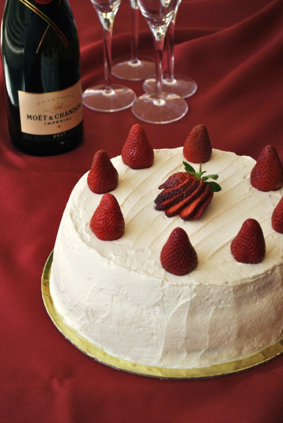 strawberry cream cake 1.jpg