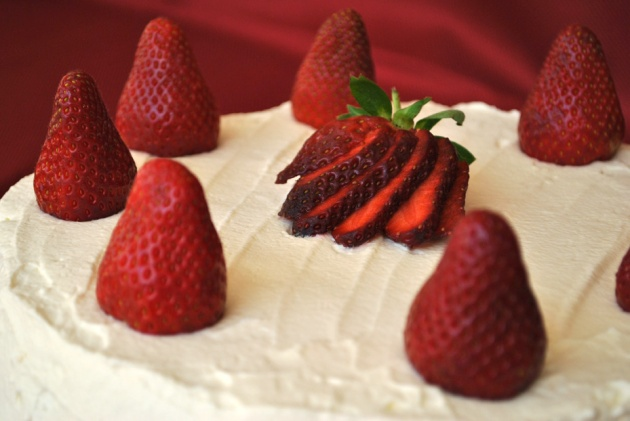 strawberry cream cake 5